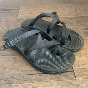 Chaco Black Strappy Sports Sandals